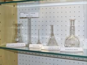 Chemie Schaukasten 2